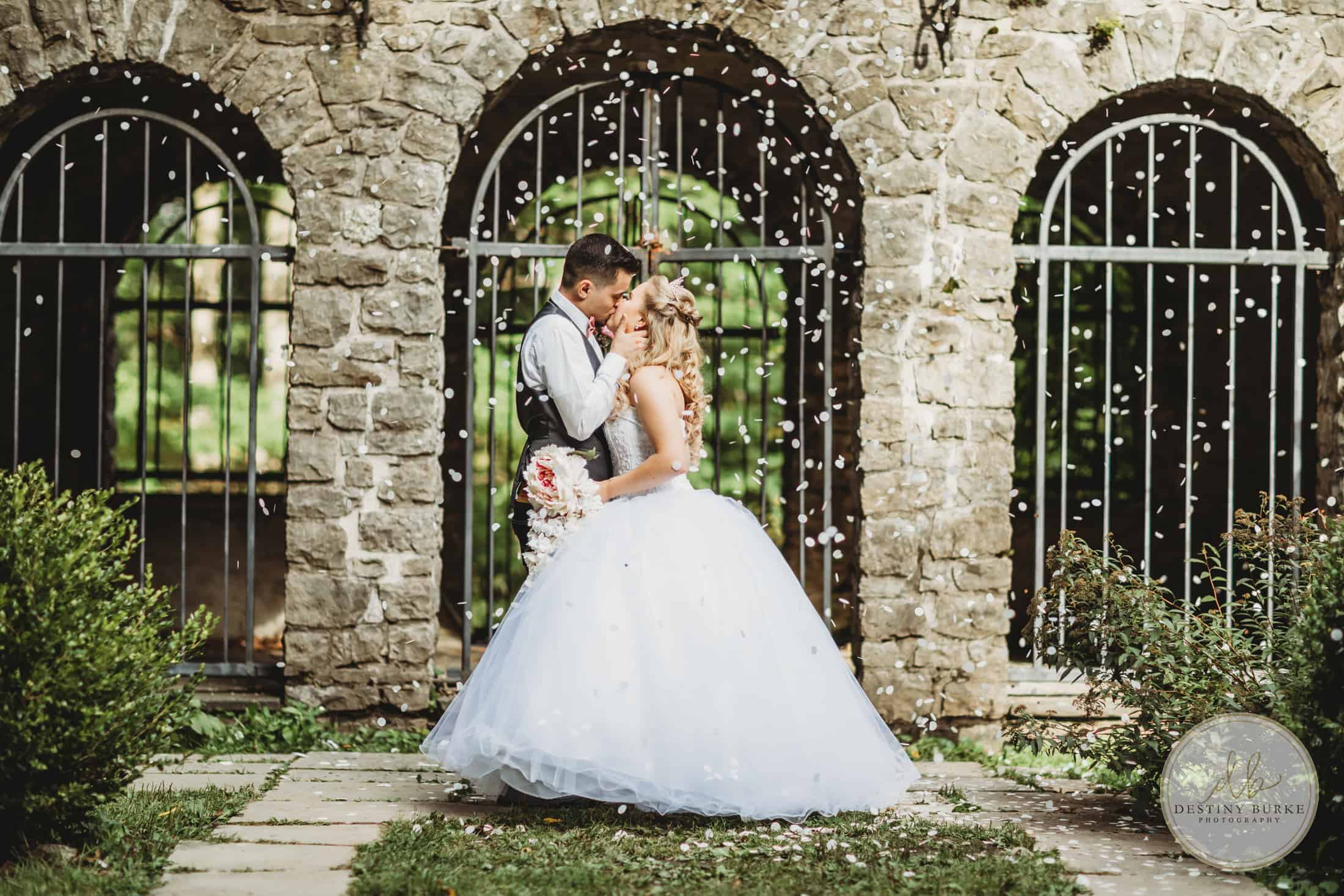 Sunken Gardens, Rochester, Wedding, Photography, Photographer, Confetti, Bride, Groom, Warner Castle, Highland Park